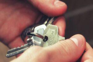Read more about the article O Despejo extrajudicial por falta de pagamento de aluguel pode ser regulamentado